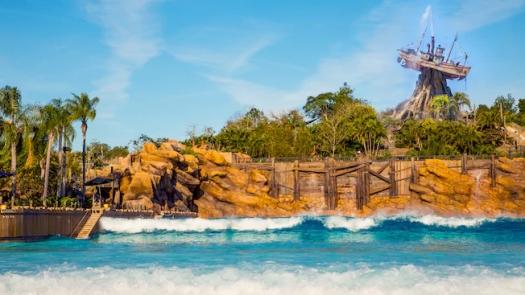 typhoon-lagoon-surf-pool-gallery03